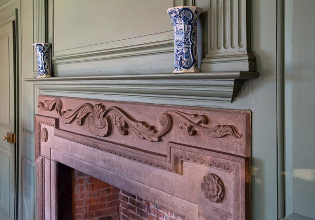 Silas Deane House Mantle